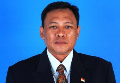 Drs. Amran Ali, M. M